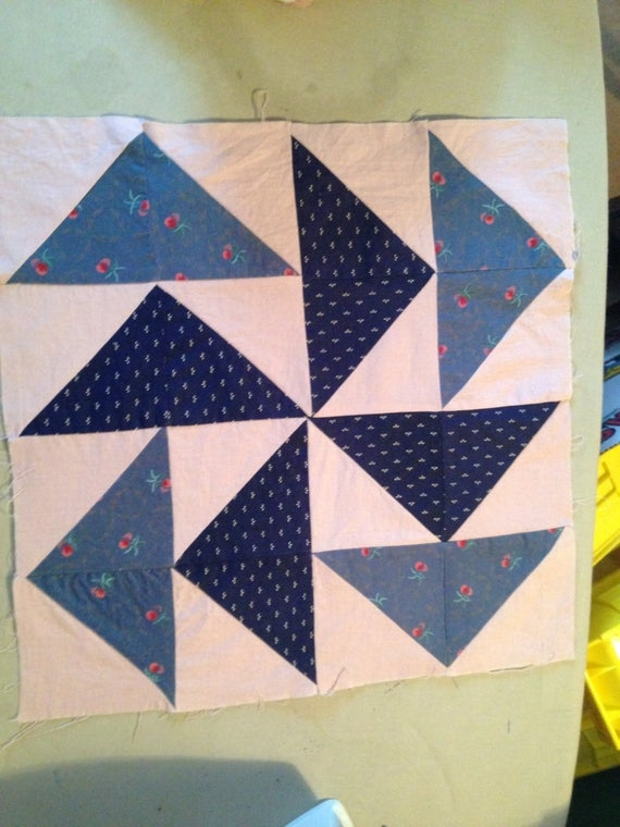15 inch flying geese variation pattern quilt block blues pink background Quilt Pattern Flying Geese Variation