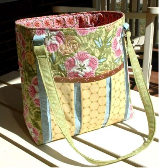 5 lovely diy tote bags carry everything in style quilting Cool Patterns For Quilted Bags Inspirations