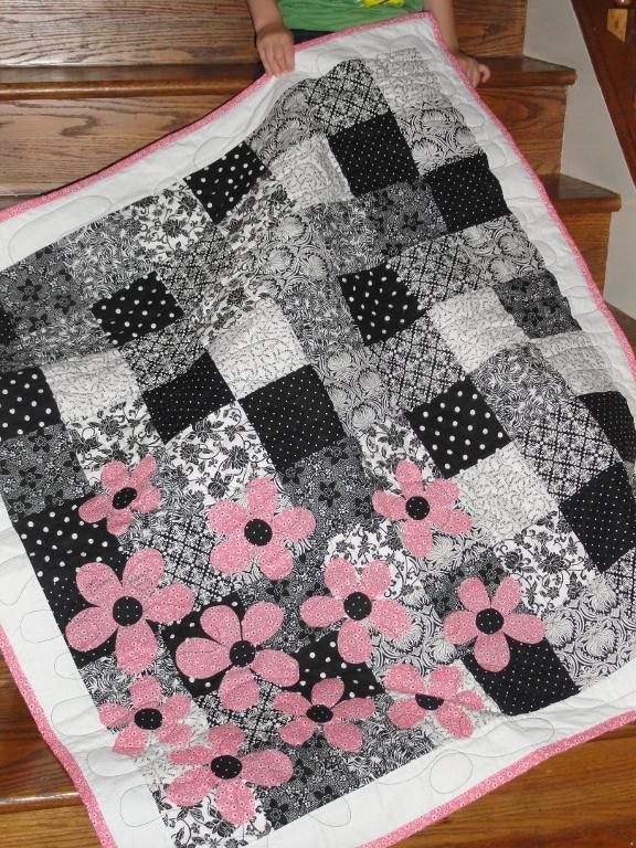 6 beautiful black and white quilt patterns Red And Black Quilt Patterns