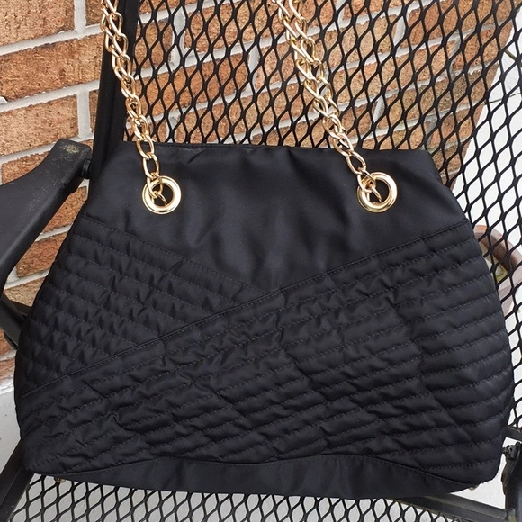 black quilted fabric bag with gold chain Stylish Black Quilted Fabric Inspirations