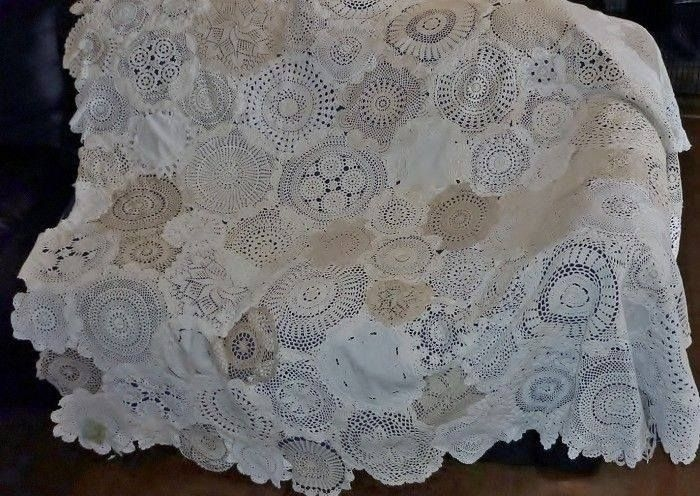 doily quilt craft ideas quilts vintage quilts doilies Interesting Vintage Doily Quilt Gallery