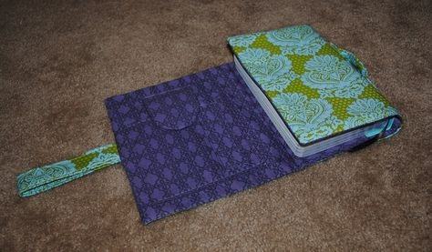 downloadable pattern pdf bible cover with notepad and pen Modern Quilted Bible Cover Pattern