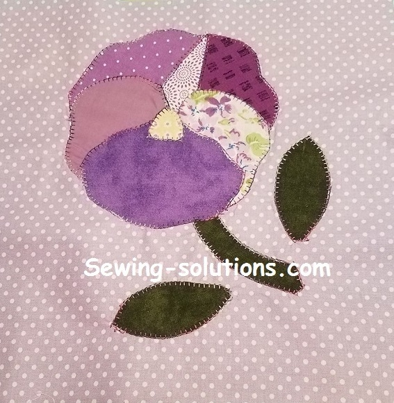 free applique quilt pattern with instructions for a pansy Interesting Applique Quilt Patterns Flowers
