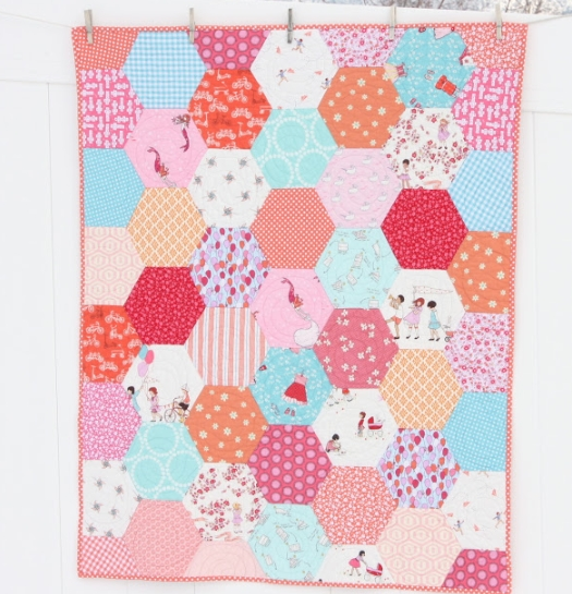 having fun with hexagons using shapes in quilts Stylish Quilt Patterns Using Hexagons Inspirations