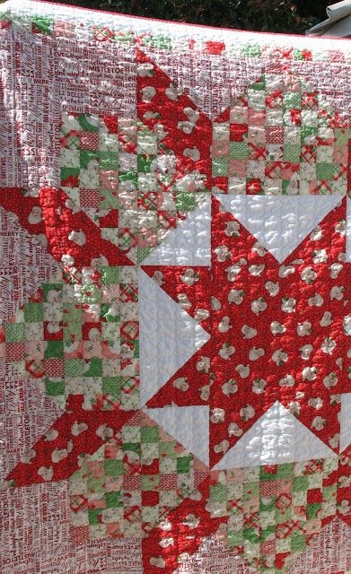 its a swell christmas quilt made with thimble blossoms Stylish Patchwork Swoon Quilt Pattern