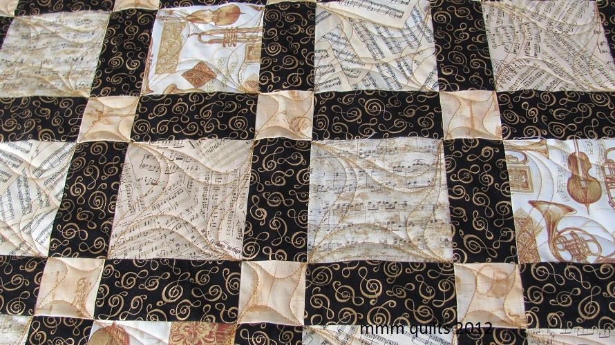 mmm quilts anns music quilt aka tessellations part 3 Modern Music Themed Quilts Gallery