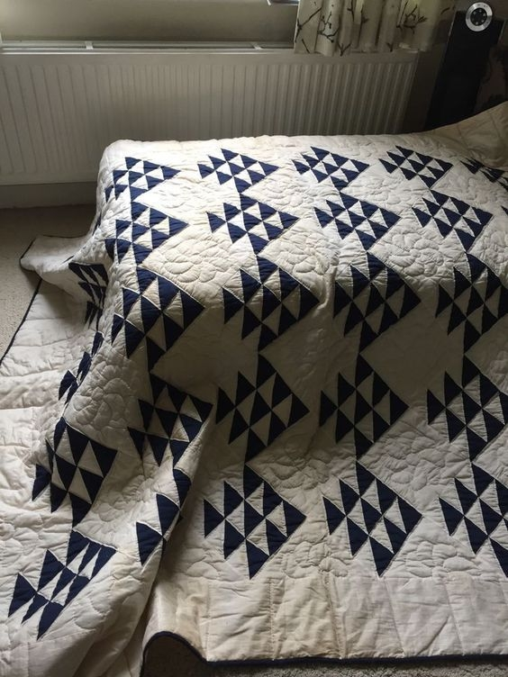 pin avant gardenist on early winter flying geese quilt Vintage Indigo Quilt Gallery