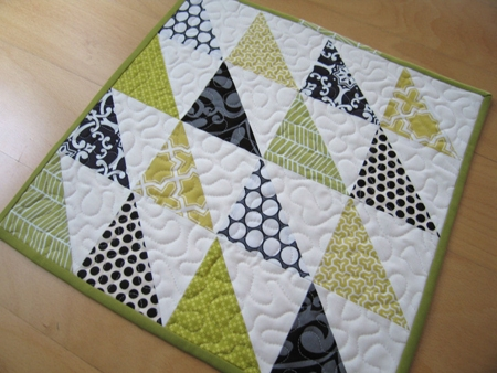 simple triangle block sew along sew mama sew Cozy Easy Triangle Quilt