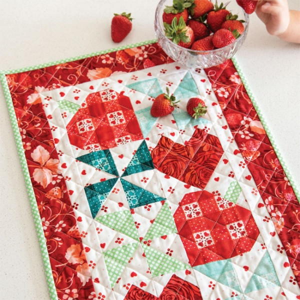 strawberry swirl quilted table runner pattern download Modern Quilted Table Runner Patterns Gallery