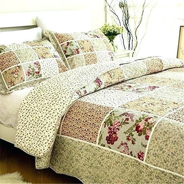 vintage floral bedding hattireco Interesting Vintage Quilt Sets Inspirations