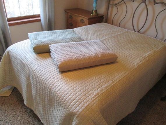 vintage quilted silk bedding bedspreadduvet Cozy Vintage Quilted Bedspread Inspirations
