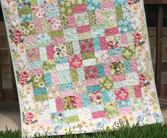 layer cake quilt pattern shab chic charm pack moda fabric ba throw sizes modern traditional beginner intermediate simple quick easy Shabby Chic Quilt Pattern Inspirations