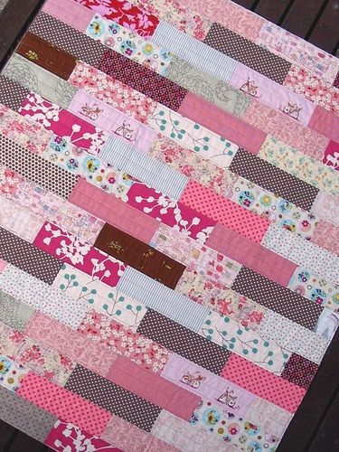 40 easy quilt patterns for the newbie quilter pink quilts Modern Simple Patchwork Quilt Patterns Gallery