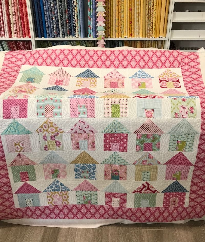 little house quilt is finally quilted house quilt patterns Interesting House Quilt Block Tutorial Inspirations