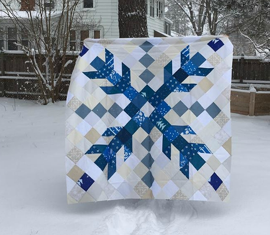 one giant snowflake makes a striking quilt quilts quilt Stylish Snowflake Quilt Patterns