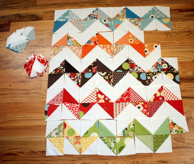 trending triangles half square triangle roundup weallsew Cozy Half Square Triangle Quilt Designs