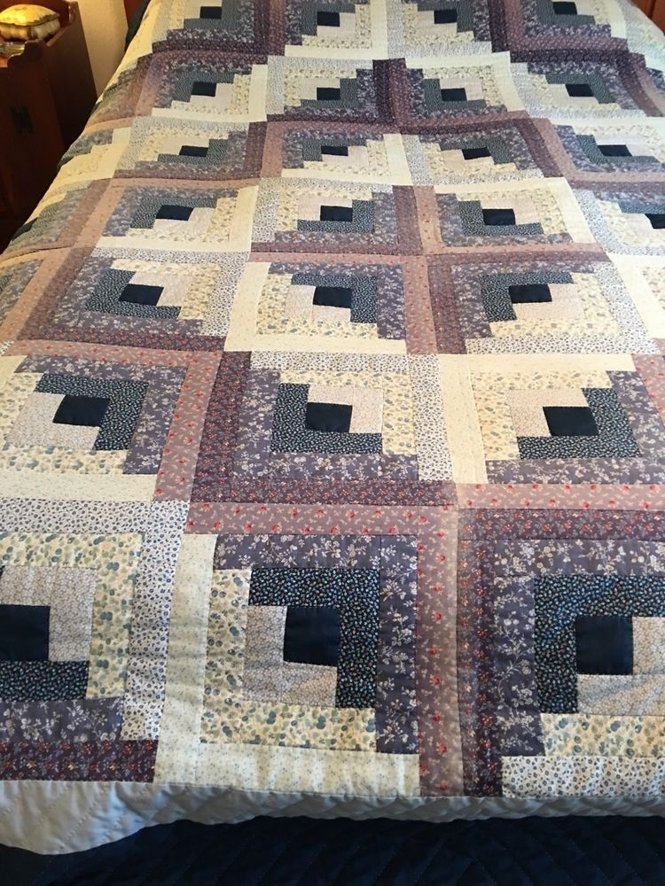 vintage printed blue white log cabin hand made quilt log Elegant Traditional Log Cabin Quilt Pattern Gallery