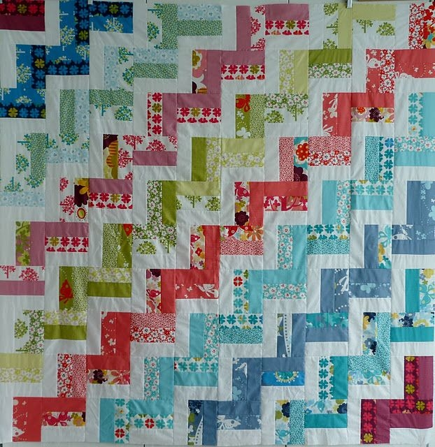 zig zag jelly roll quilt with some different colors i would Stylish Chevron Quilt Pattern Using Jelly Roll