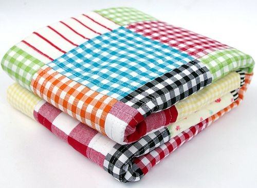 gingham quilt love this idea of patch worked gingham 10 Stylish Gingham Quilting Fabric Inspirations
