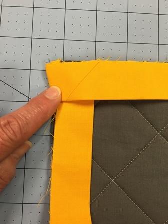 Modern how to make great binding corners apqs 10 Beautiful Sewing Binding On Quilt Corners