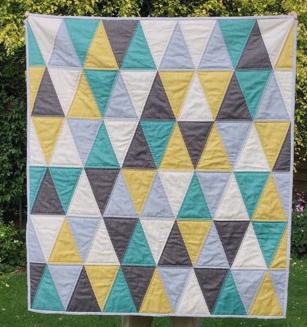 New triangle ba quilt free pattern triangle quilt pattern 11 Modern Triangle Free Quilts Inspirations