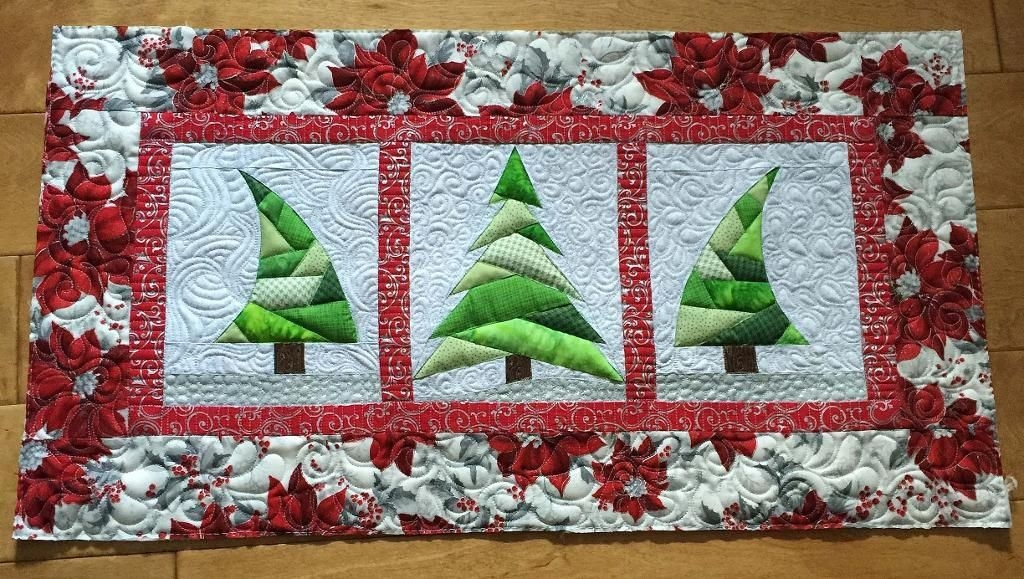 Beautiful 10 free christmas sewing patterns on craftsy christmas Cozy Quilted Christmas Placemat Patterns Free