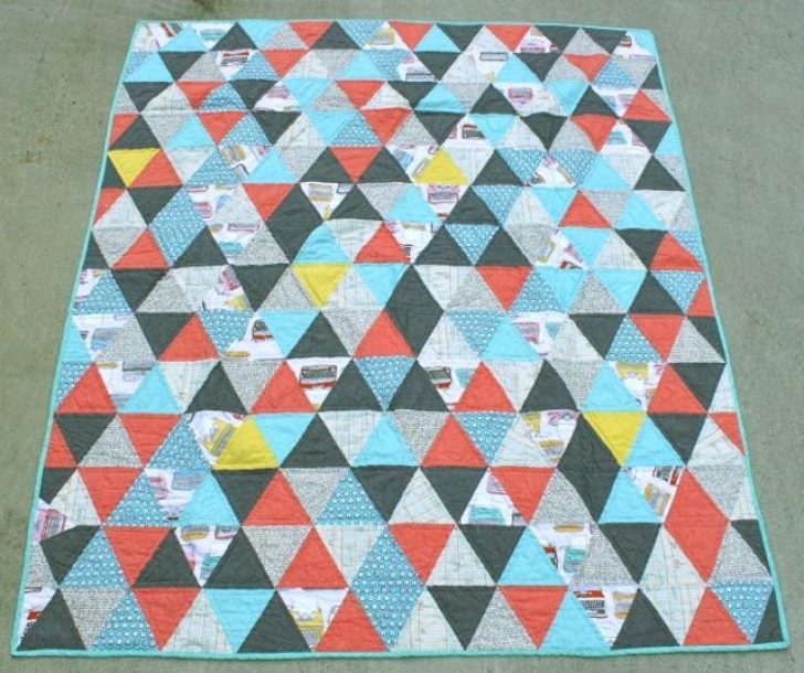 Permalink to Unique 60 Degree Triangle Quilt Tutorial
