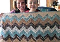 carolyns chevron quiltfree pattern quilting daily Elegant Chevron Quilt Pattern Using Rectangles