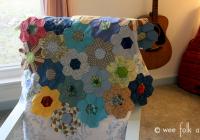Cool hand pieced hexagon quilt tutorial wee folk art Cool Hexagon Quilt Patterns Designs