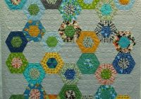 linzees hexagon quilt fun layout of hexies and the Cozy Hexagon Quilts Layout