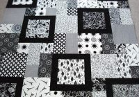Stylish larinth quilt pattern free quilt patterns black and 10 New Black And White Quilts Patterns Gallery
