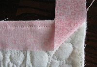 Stylish tutorial binding with mitered corners quilt binding 10 Beautiful Sewing Binding On Quilt Corners