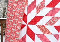 Stylish your next star quilt using simple half square triangles 11 Modern Triangle Free Quilts Inspirations
