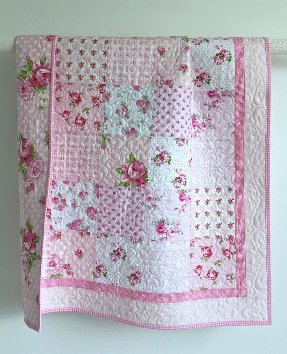 adorable ba girl quilt with tiny pink Stylish Baby Girl Quilt Patterns Gallery