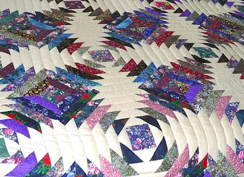 amish handmade and patchwork quilts for sale amish spirit Modern Pineapple Log Cabin Quilt Pattern Gallery