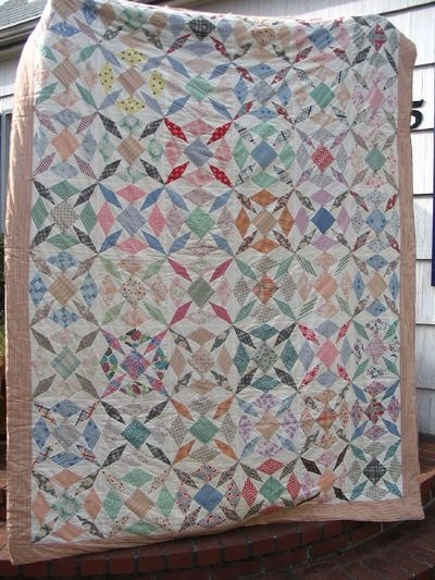 angry chicken quilt monday vintage quilts Elegant Vintage Looking Quilts Inspirations