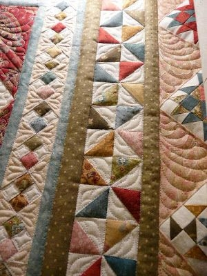 beautiful idea for patchwork quilt borders i love the four Modern Border Patterns For Quilts Inspirations