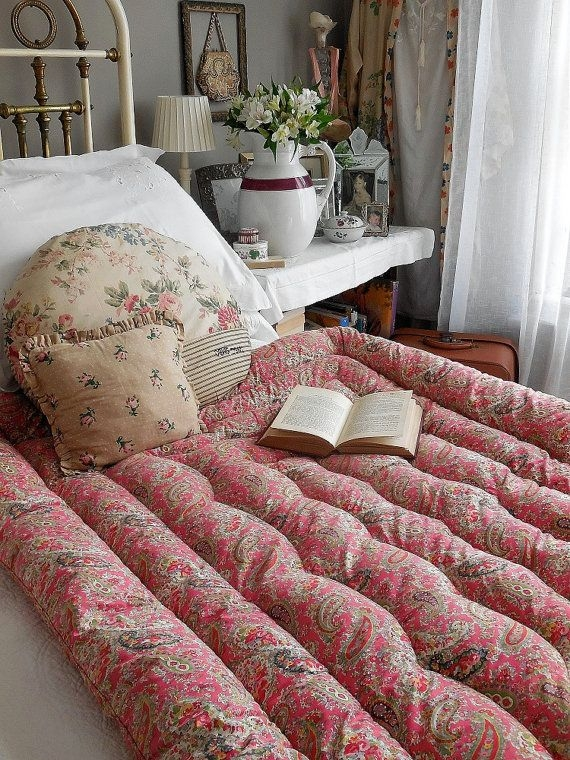 beautiful vintage french feather eiderdown quilt comforter Vintage Eiderdown Quilt Gallery