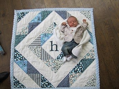 cute ba quilt i think i could do this one quilts Elegant Patchwork Quilt Patterns For Babies Inspirations