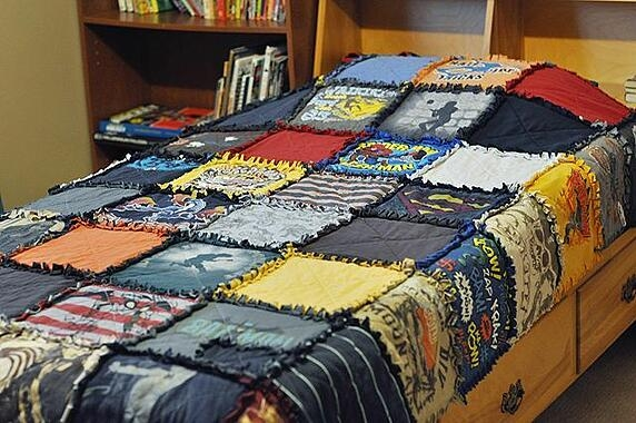 diy t shirt quilt no sew Cozy No Sew Tshirt Quilt Gallery