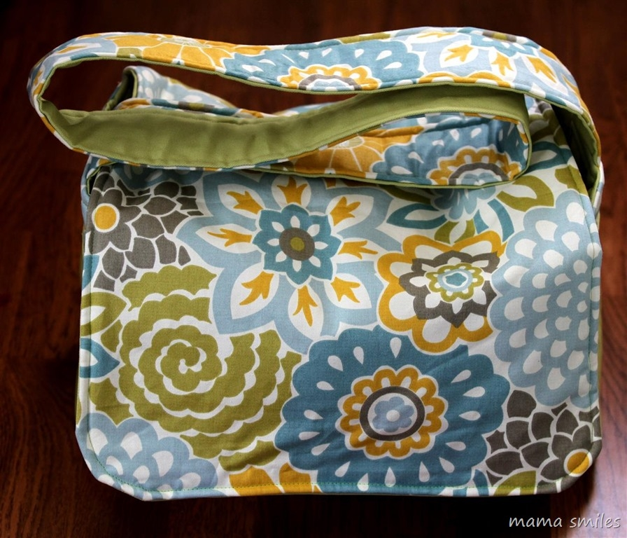 easy to sew messenger bag sewing tutorial mama smiles Modern Quilted Messenger Bag Pattern
