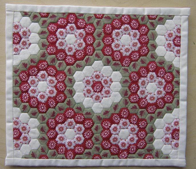 englishpaperpiecedhexagonquilts just type english Unique Hexagon Patchwork Quilt Patterns Gallery