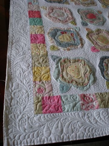 french rose quilt love the quilting quilts quilt Interesting French Rose Quilt Pattern