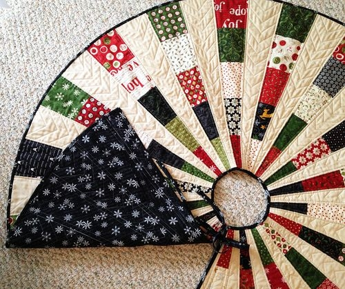 friday spotlight georgis most beautiful christmas tree Elegant Quilted Tree Skirt Patterns Inspirations
