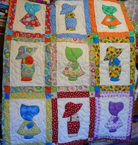 handcrafted applique sunbonnet sue sam Modern Dutch Boy And Girl Quilt Pattern