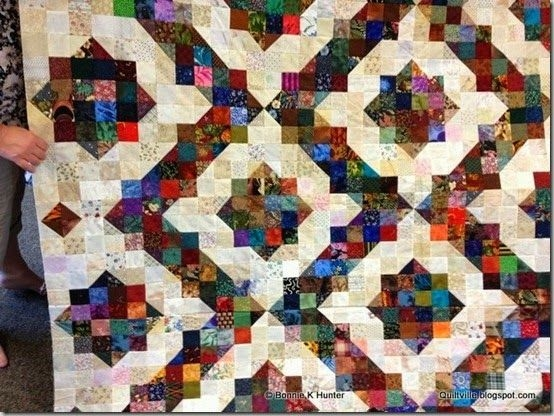 in this variation of bonnie hunters split 9 patch the Split Nine Patch Quilt Pattern Gallery