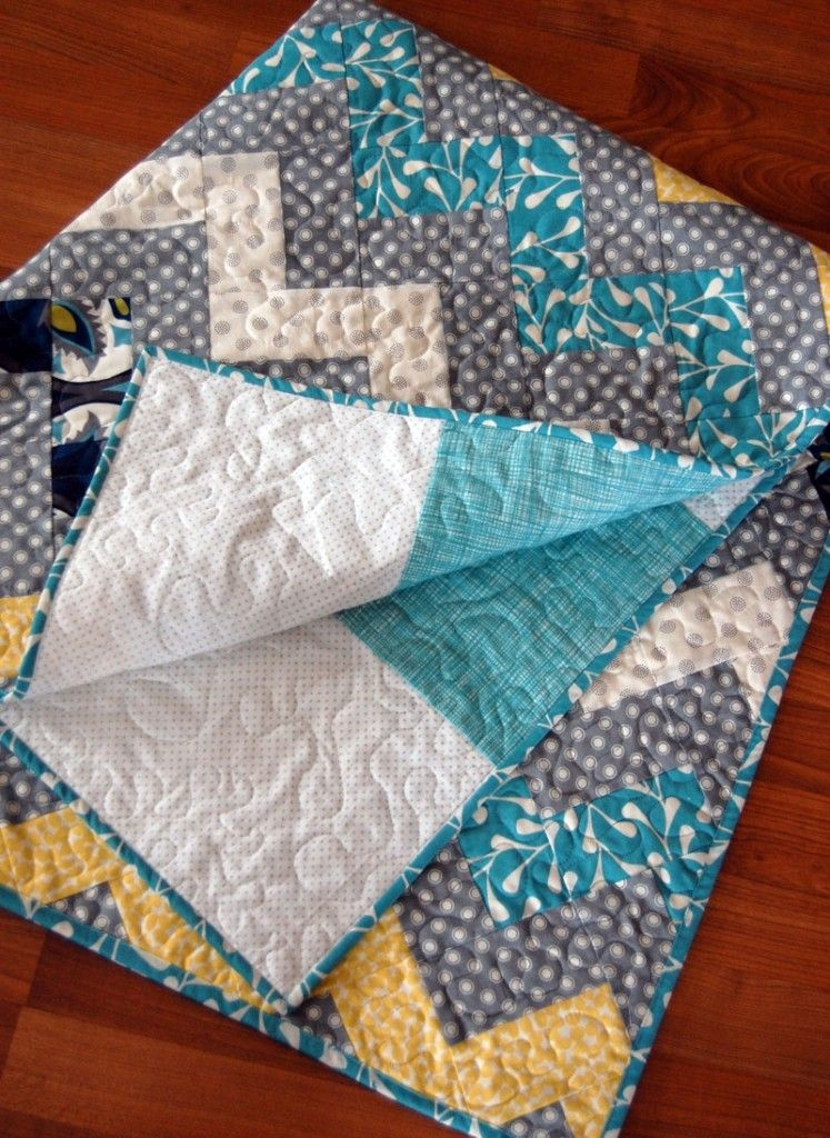 make this zig zag chevron quilt diy small projectscrafts Stylish Zig Zag Quilt Tutorial No Triangles Gallery