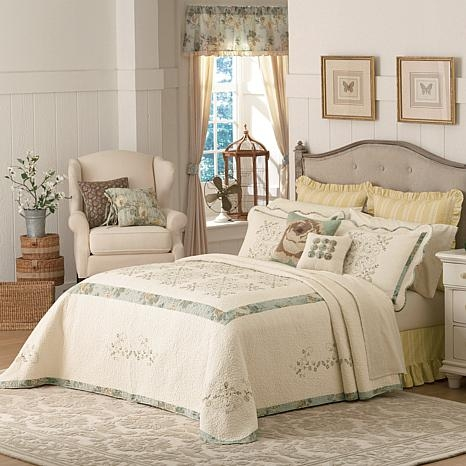 maryjanes home vintage treasure bedspread queen Elegant Vintage Quilts And Bedspreads Inspirations