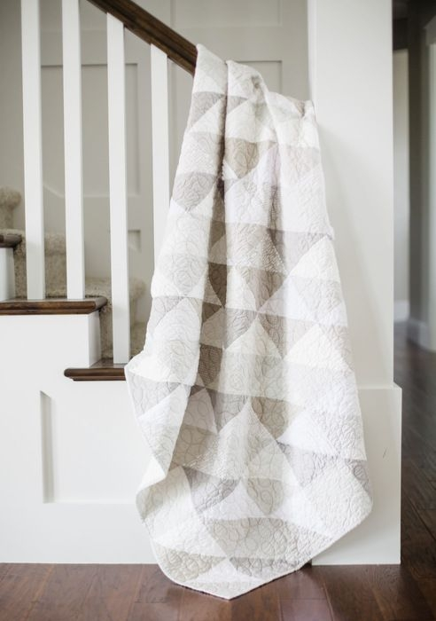 modern gray and white neutrals quilt neutral quilt low Cozy All White Quilt Patterns Inspirations