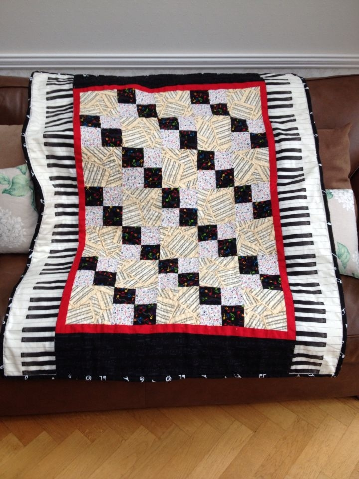 music themed quilt made for my piano teacher christmas 2014 Modern Music Themed Quilts Gallery